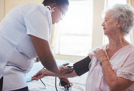 Pflegeinitiative: Gegenvorschlag grundsätzlich gut